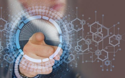 Vantaggi della digitalizzazione-tecnologia nelle nostre mani